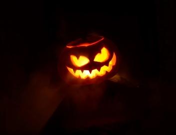 halloween-3777651_1920