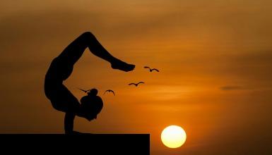 yoga-3605913_1920.jpg